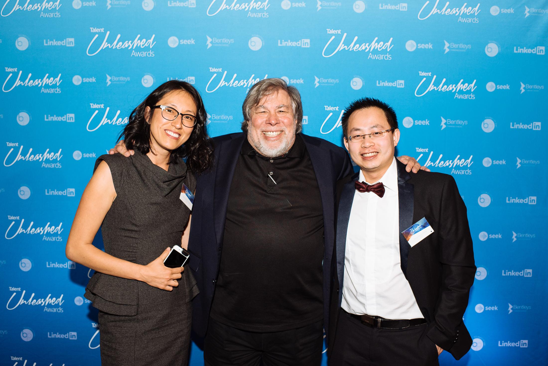 oDocs' Hanna Eastvold-Edwins and Dr Hong Sheng Chiong with Steve Wozniak