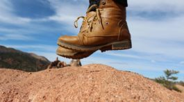 BOOTSTRAPPING: HOW TO START A BUSINESS WITH NO MONEY